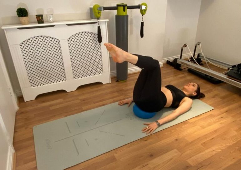 5 effective pilates moves for a flat tummy 4